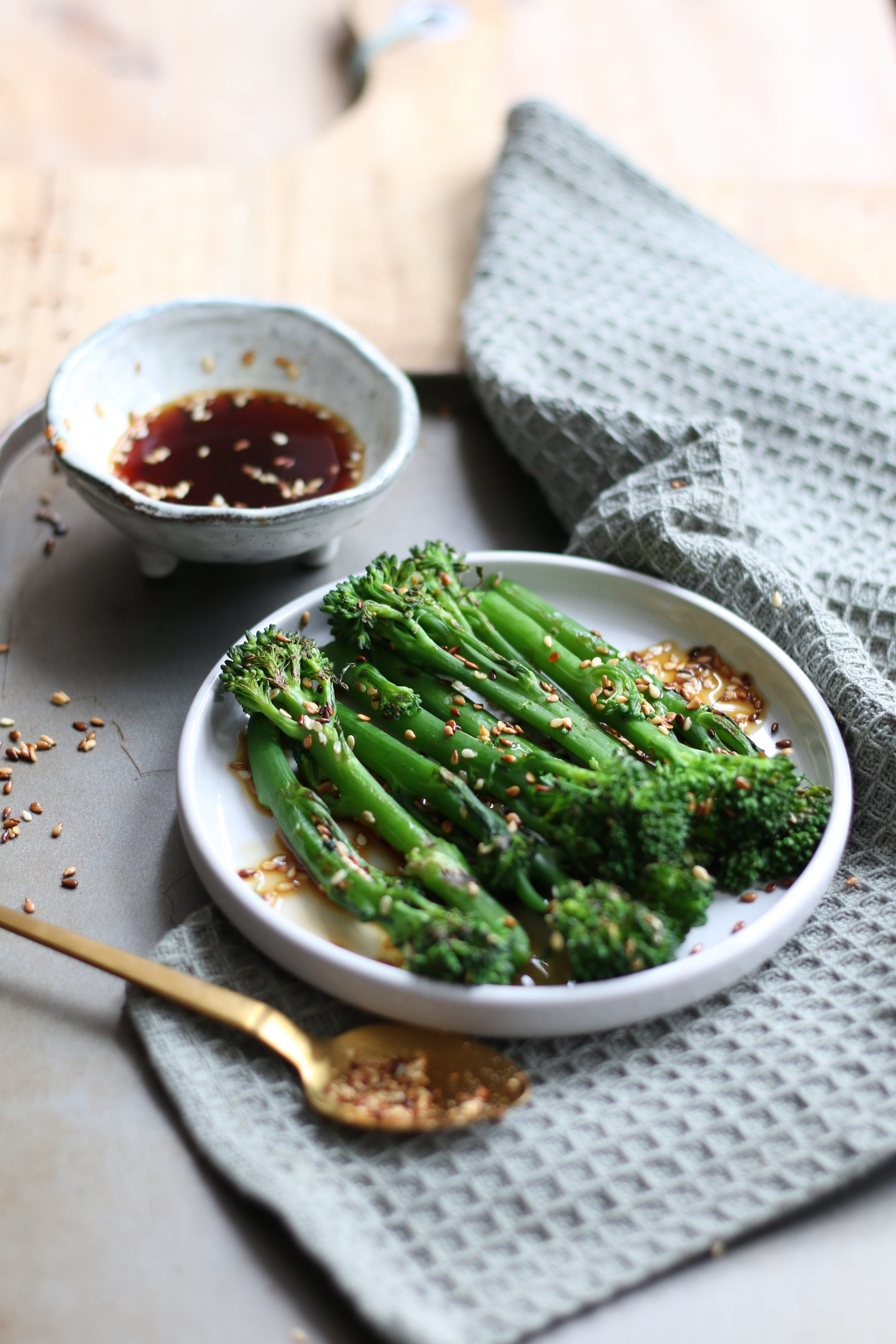 Tenderstem with oriental dip