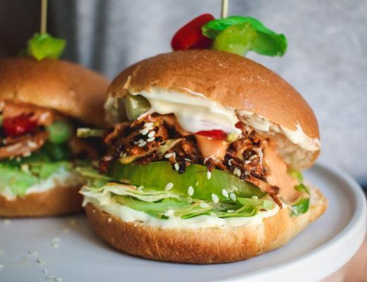 bbq jackfruit burger