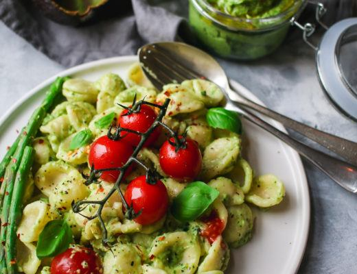 vegan avocado & Basil pesto recipe