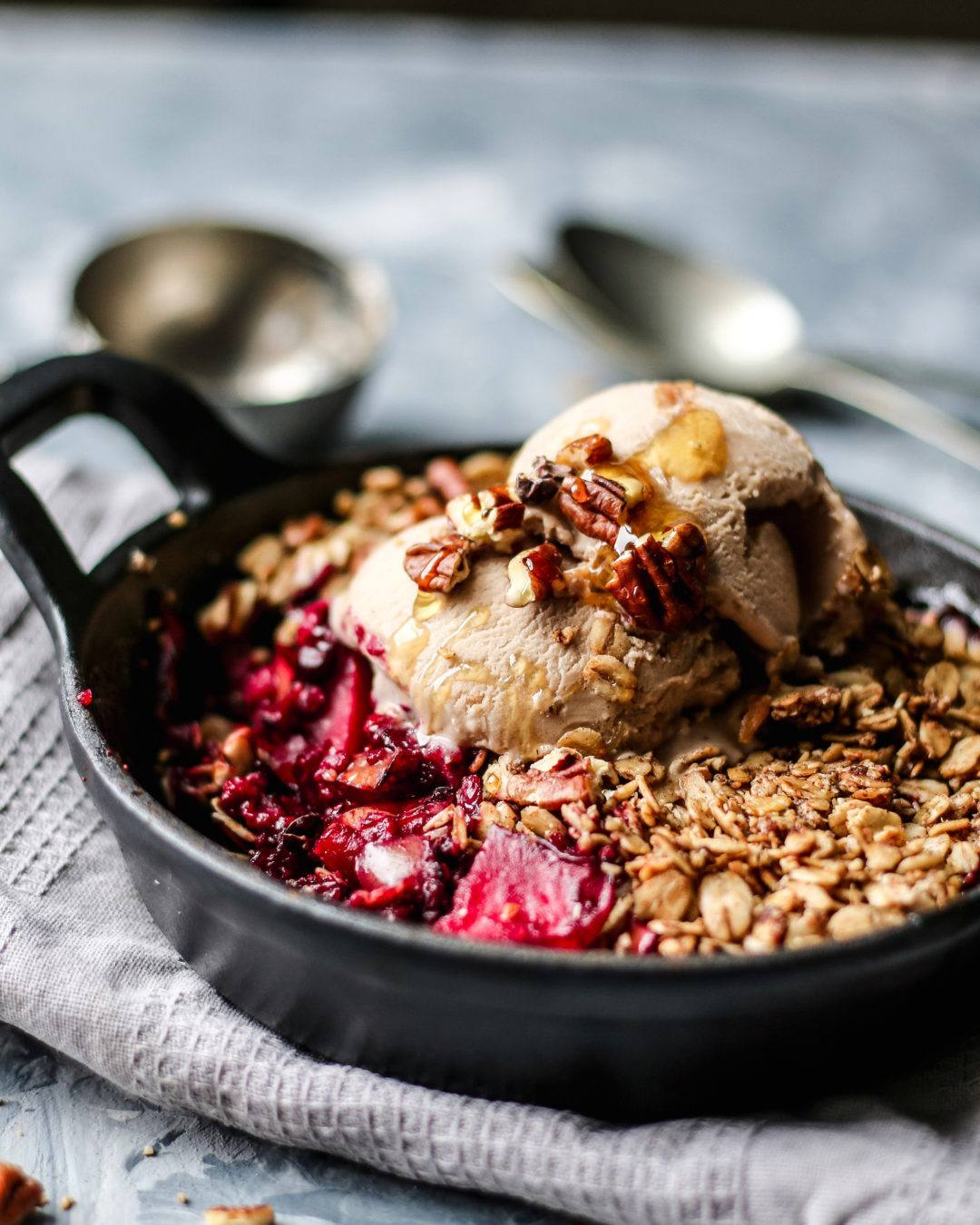 winter berry crumble vegan