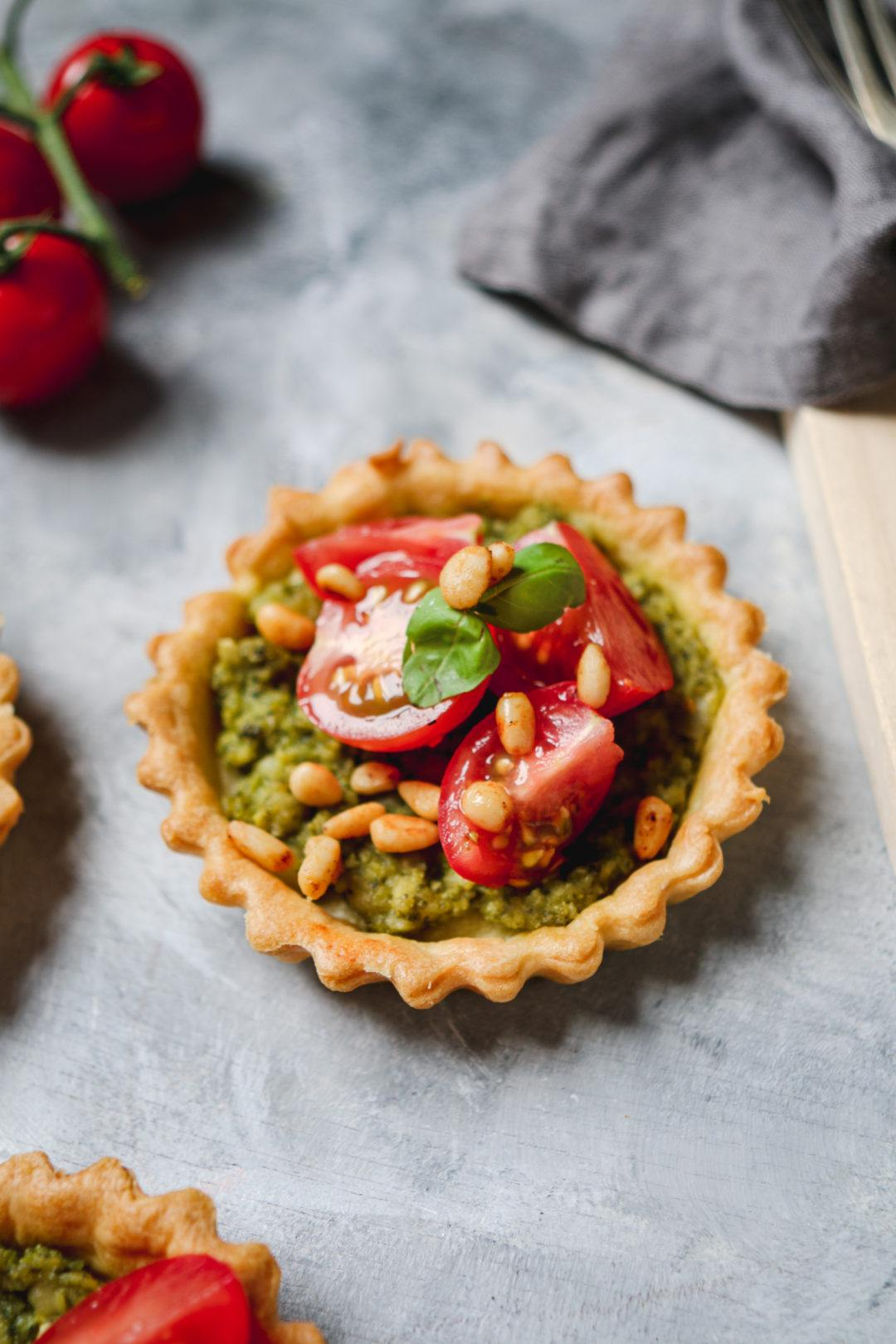 Vegan Pesto Tarts