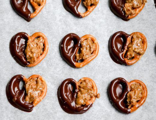 vegan peanut chocolate pretzel bites vegan