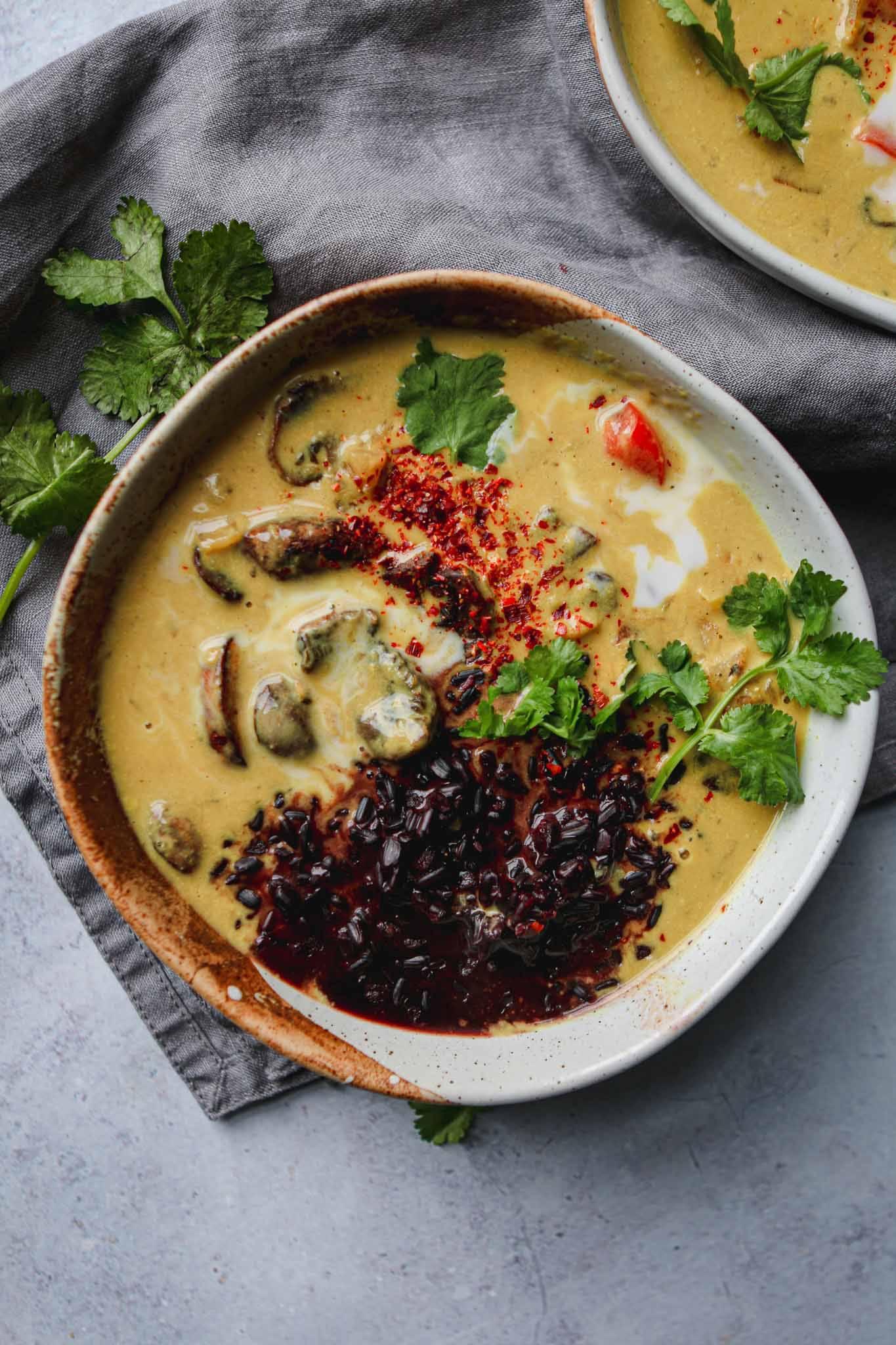 golden mushroom curry easy vegan recipe