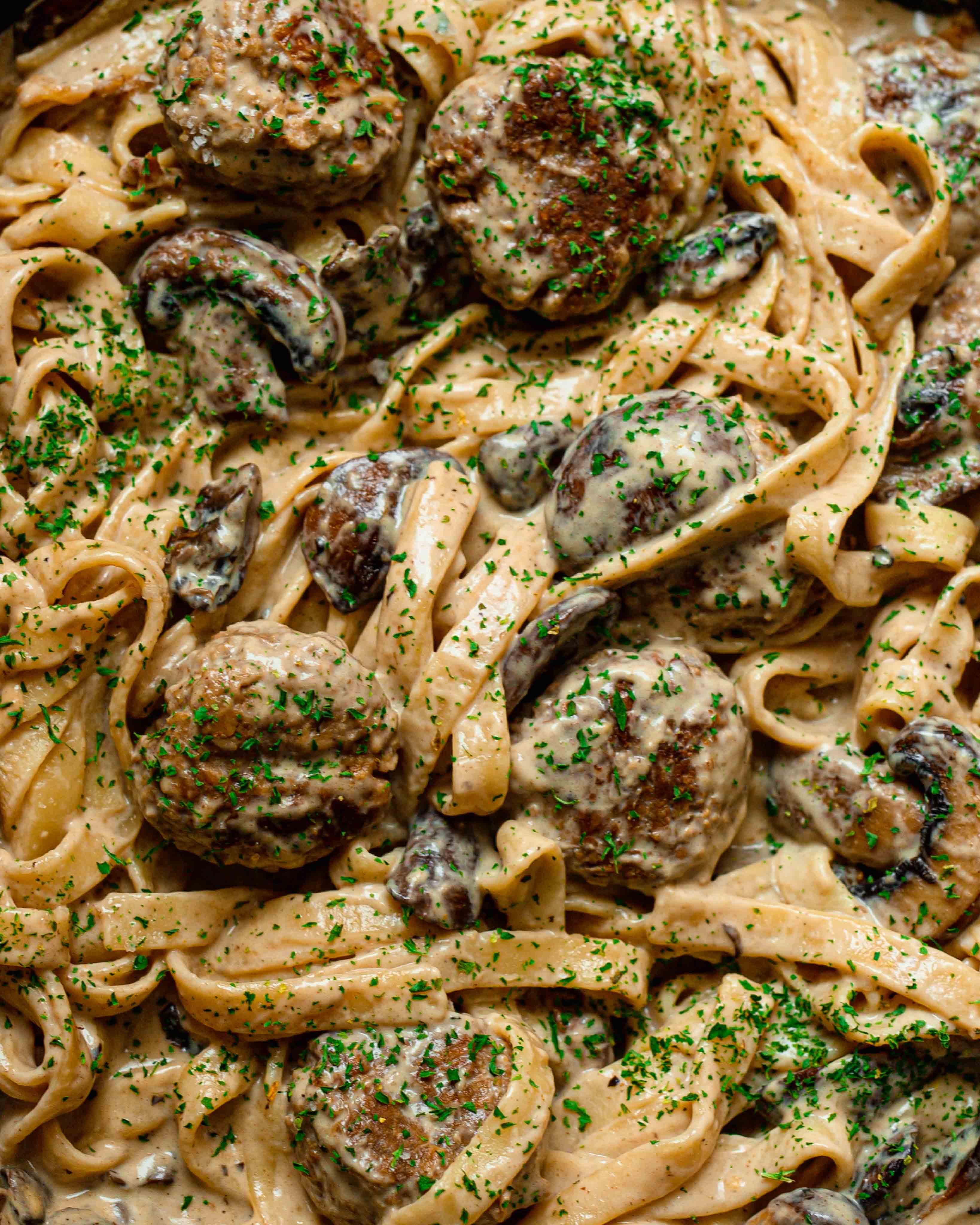 creamy vegan meatball pasta