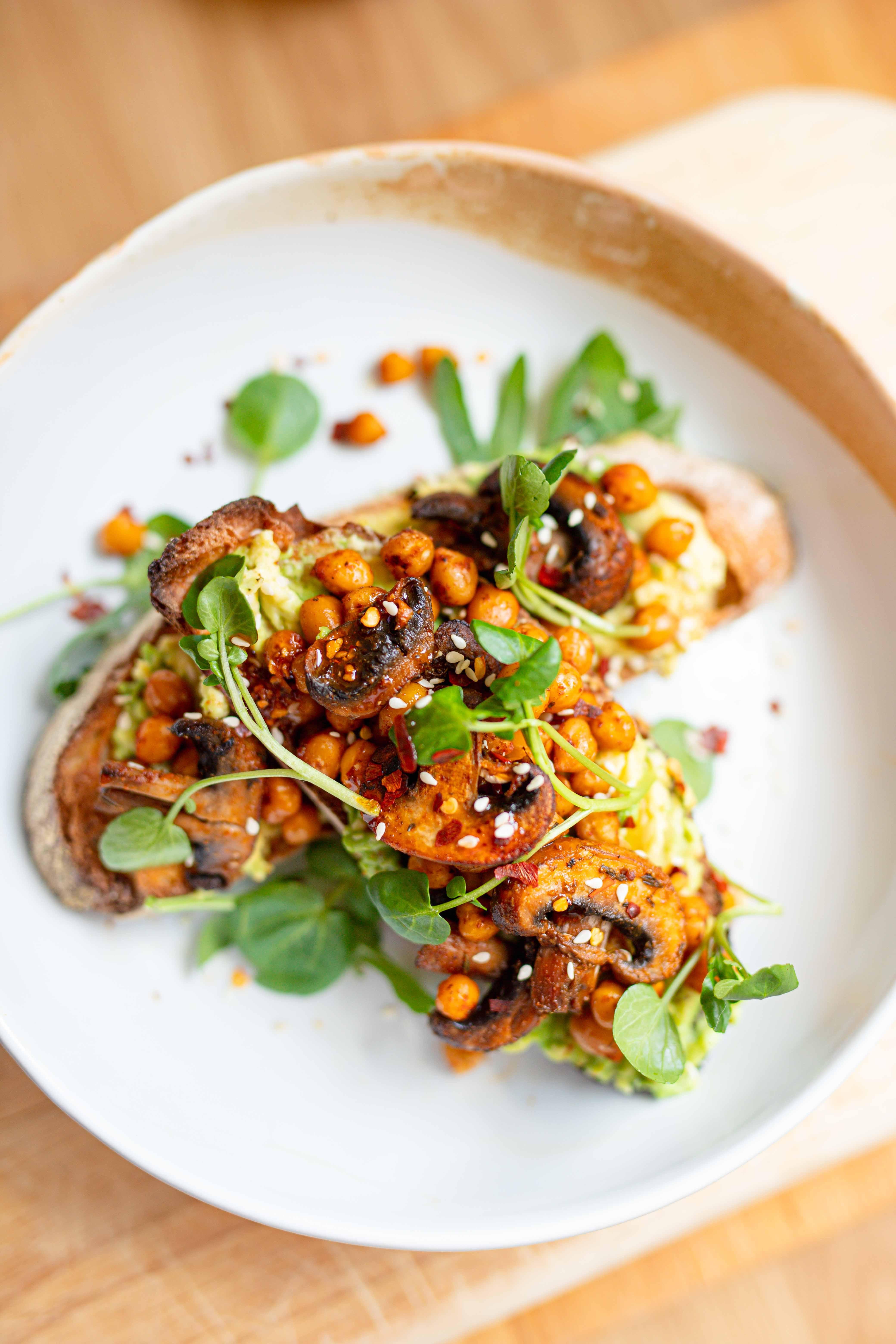 vegan brunch ideas garlic mushrooms