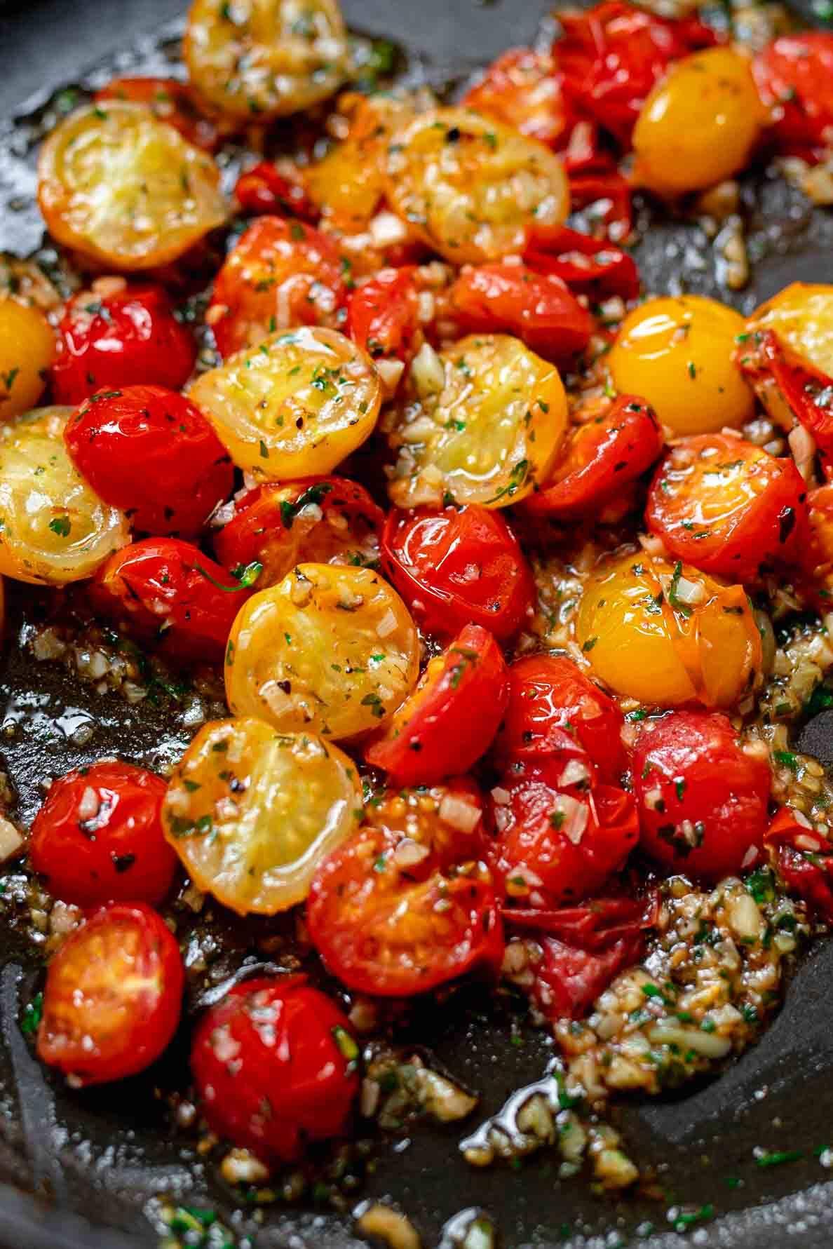 cherry tomatoes and garlic pasta sauce