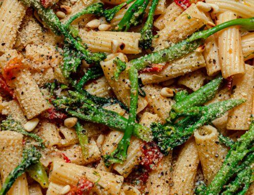 15 minute garlic pasta vegan