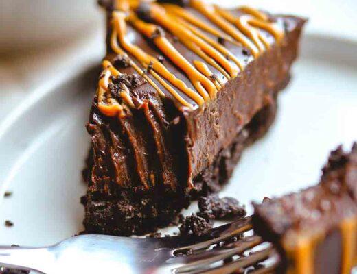 5 ingredient chocoalte tart slice